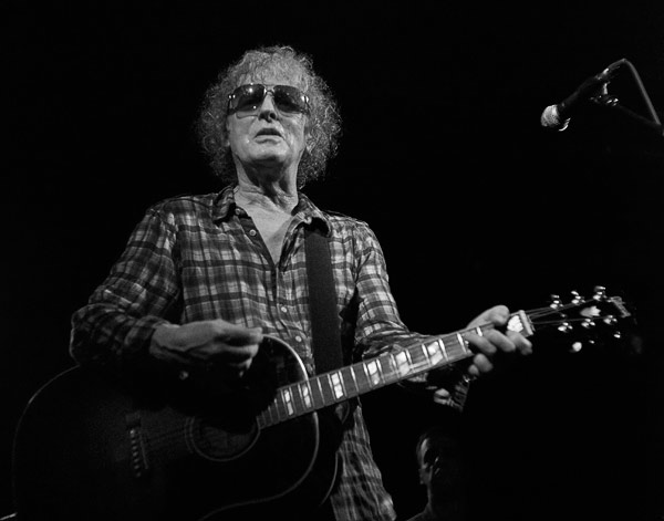 Ian Hunter at Lee's Palace, 121208-014351-efex-cr-72-600, copyright j.martin/sevres-babylone